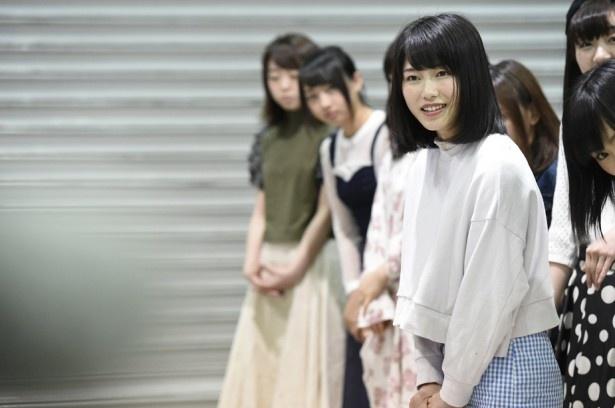 女子高生スタイルの横山由依さん