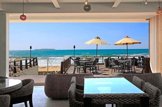 海岸沿いのリゾートカフェが一新<