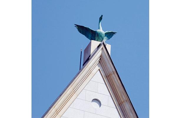 頂上にはシャチホコならぬ白鳥が!【その他、チョップリンが訪れた現地取材画像】