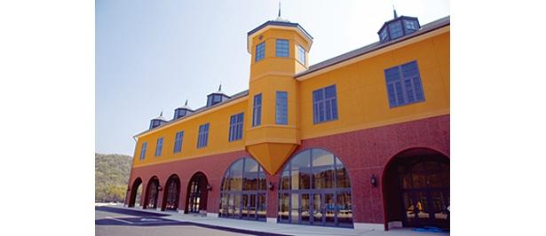 600人収容できるレストランを備えた巨大なウエルカムハウスもオープン