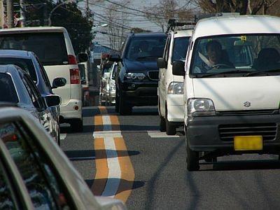 """どこまでいっても渋滞…そんなときこそ同乗者の""""気づかい""""が必要"""