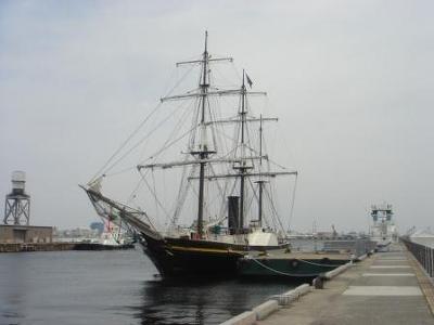 """これが150年ぶりにやってきた""""黒船""""=観光丸"""