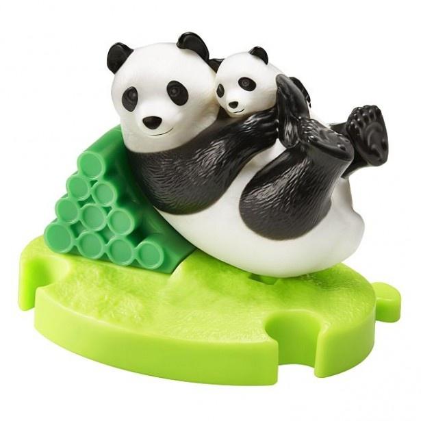 体全体が上下に動く「パンダのおやこ」。ごろんと転がる姿が愛らしい