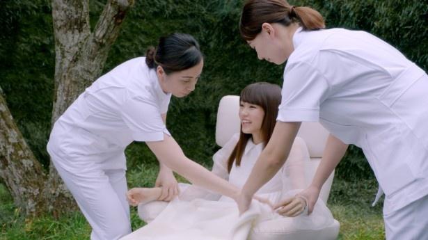 桐谷美玲が新CMでやすらぎ体験