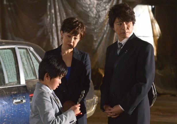 これで4度目のスペシャルドラマとしての放送となる「遺留捜査」に出演する上川隆也、斉藤由貴、鈴木福(写真右から)