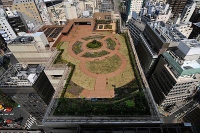 都内最大級の庭園は、ヒートアイランド対策にも