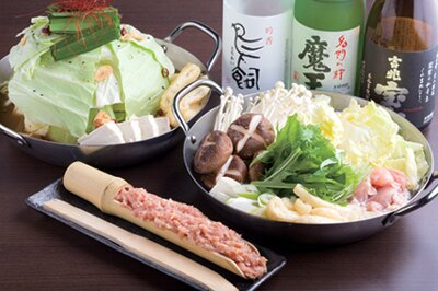 東京ダイナマイトのハチミツ二郎プロデュースの「Dining二郎」より、その名も「特製二郎鍋」(1人前・1480円)