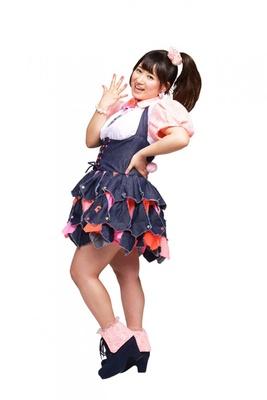 Pottyaのリーダー、大木梨渚。1990年10月19日生まれ。キャッチコピーは「史上最小ぽっちゃりアイドル」