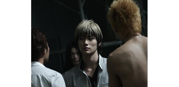 『クローズZERO II』出演時。金髪も似合ってる!