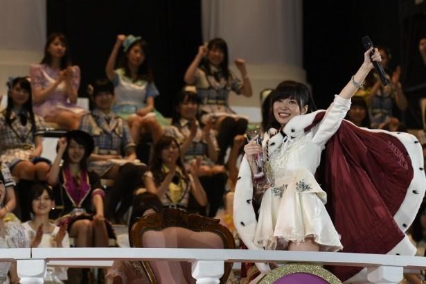 AKB48選抜総選挙で、HKT48・指原莉乃が過去最多の19万票を獲得して見事1位に返り咲き!