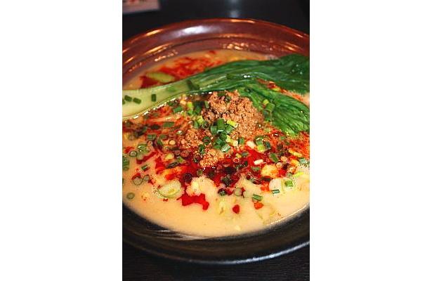 自家製のラー油が決め手の「元祖讃岐流坦々麺」(700円)