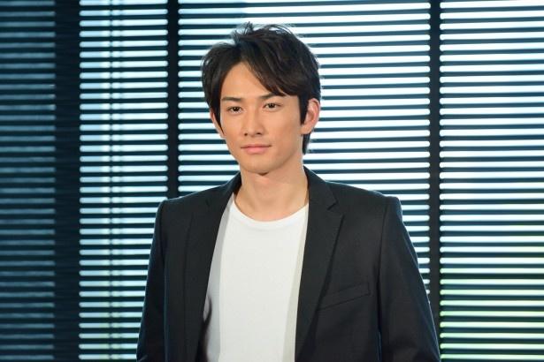 「美女と男子」で新人俳優・向坂遼を演じている町田啓太