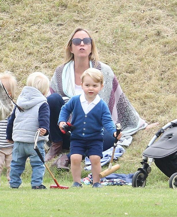 左利き説が出ているジョージ王子 ジョージ王子はウィリアム王子と同じ左利き!? (画像1/6) |
