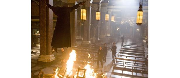 ヴァチカン内で枢機卿が連続して殺されていく!