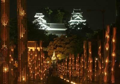 崇城大学市民ホール(熊本市民会館)のシンボルロードの風景