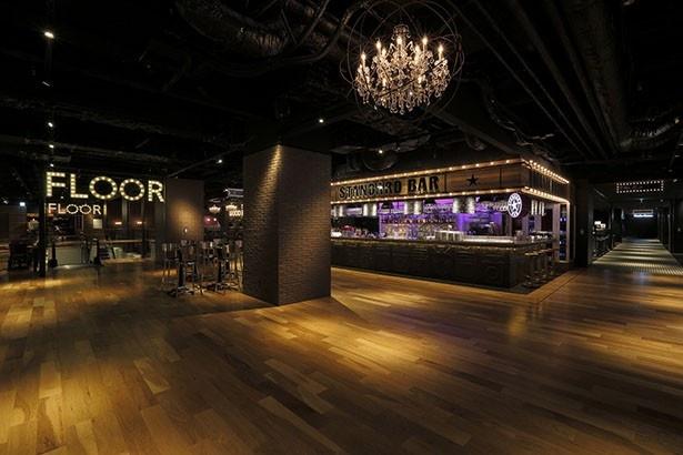 【写真を見る】大阪会場となるグランフロント大阪のUMEKITA FLOORは、深夜4時まで営業。多彩な飲食店で様々なイベントが行われている