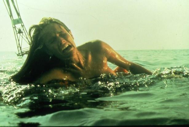 『ジョーズ』で一番最初にサメの餌食になった女子大生のクリシー 『ジョーズ』で一番最初にサメの餌食