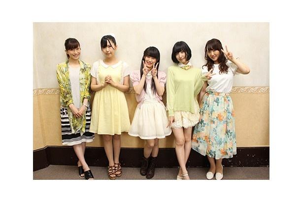 出演者は左から名塚佳織さん、小岩井ことりさん、村川絵梨さん、佐倉綾音さん、阿澄佳奈さん