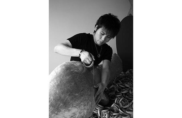 監修したのはセロテープアートの第一人者、瀬畑亮さん
