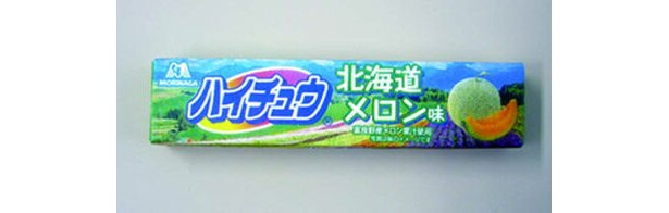北海道富良野産メロンを使用したさわやかな味「ハイチュウ 北海道メロン味」(126円)