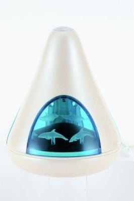 ブルードルフィン正面。円錐形のスタイリッシュなデザイン