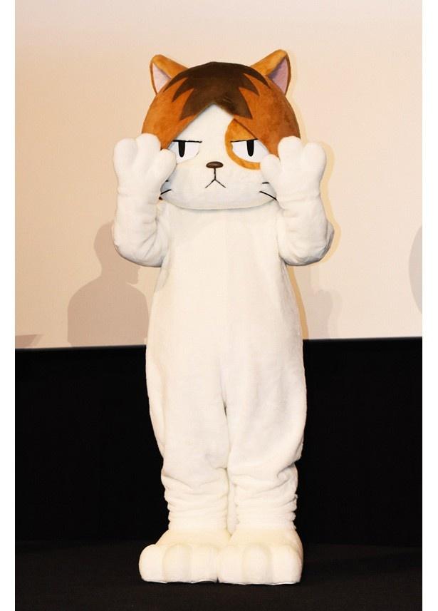 サプライズとして研磨ネコが登場! 手を振る姿には「かわいい~」と女性の観客から歓声が上がっていました