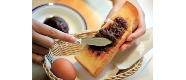 モーニングトーストにプラス100円で小倉あんを付けられる、東海エリアの喫茶店の代名詞「コメダ珈琲」