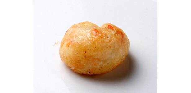 「Big UP!」の「たこ焼き」は普通の塩で味付け。直径は約3cm。具はタコと天かすのみでふわりとした食感だ