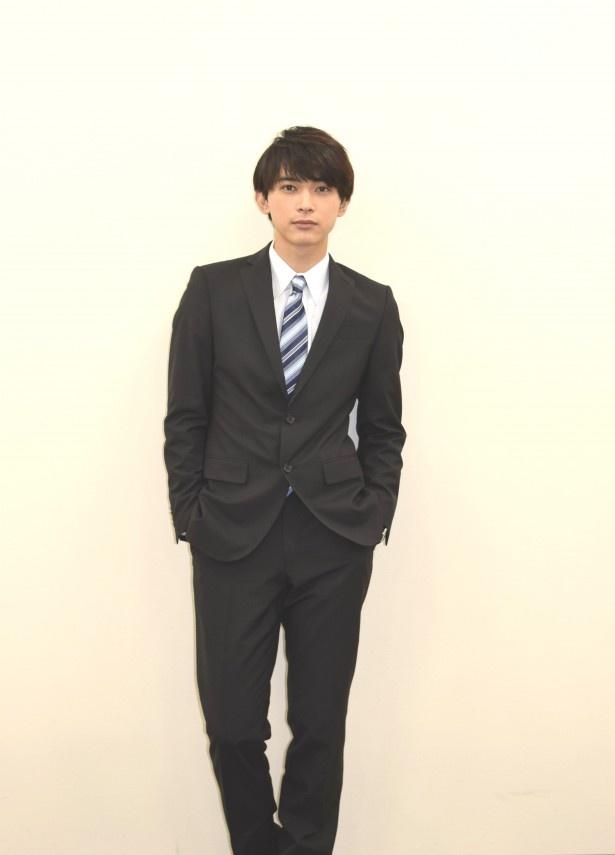 スーツ 日本 版