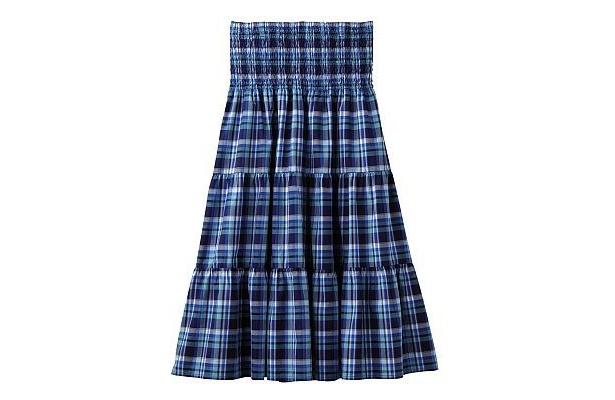 流行のマドラスチェックを取り入れた「マドラスティアードロングスカート」(2990円)