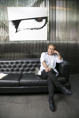 東洋人としてのプライドを意識しながら、21世紀の東京でしか描けない作品を生み出す