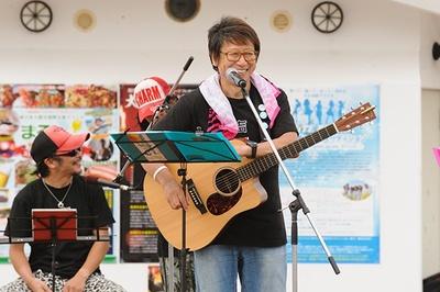 声援団の団長を務める声優、井上和彦。東日本大震災以降、声優仲間と共にチャリティー活動を続けている