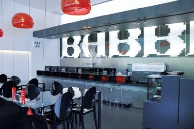 「BABBI×SAVOY六本木ヒルズ店」の内装は超オシャレ