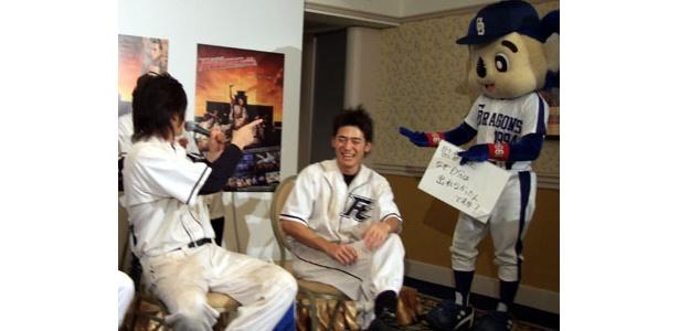 尾上が「阪神のユニフォーム着れば出れるよ!」とアドバイス!