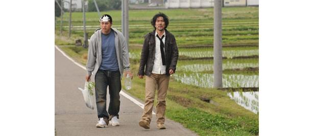 拓也の親友に扮するのはK1ファイター澤屋敷純一