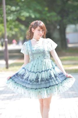【写真を見る】こんなイタリア人美女も参加!ユリコ・タイガーさんは「YOUは何しに日本へ?」(テレビ東京系列)などテレ ビ番組にも出演し、多方面で活躍中