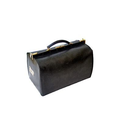 1900年ごろの「黒革ドクターバッグ」。ドクターバッグは珍しいかも
