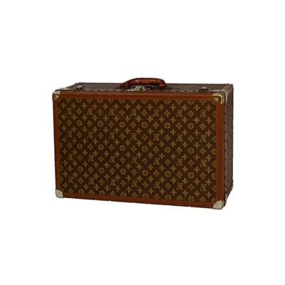 1940年ごろの「モノグラム・スーツケース」。内張は、耐久・防食性の高い新素材を使用