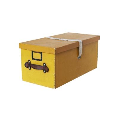 1930年代の「イエローボックス」。おもちゃ箱に最適なオーダー品。なんとも贅沢な一品だ