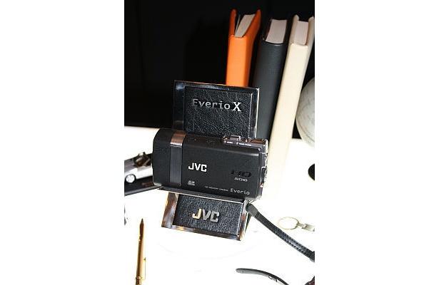 """新発売""""エブリオ X""""「GZ-X900」は、今までにないビデオカメラだ"""
