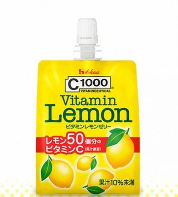 【写真を見る】小腹が空いたときに!ハウスウェルネスフーズの「C1000 ビタミンレモンゼリー」(税別180円)
