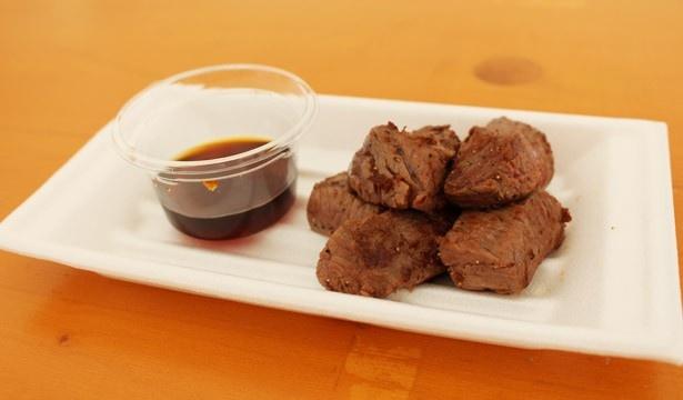 ポンド ステーキハウスの「听ステーキ」(1200円)は、熟成肉ならではの柔らかさと旨味が魅力