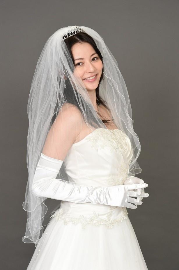 結婚式前に脳腫瘍と診断されるひとみを演じる香里奈