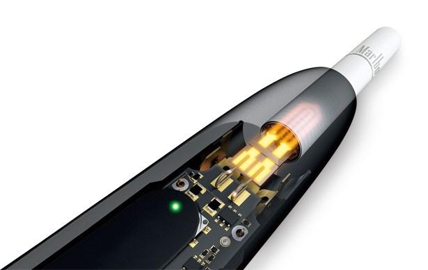 革命的なたばこ加熱システムを搭載。内部の加熱ブレードには、金とプラチナを採用することで、たばこを緩やかに加熱する