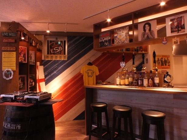 店内の壁にはユニオンジャック柄など、イギリス好きの人にはたまらない内装
