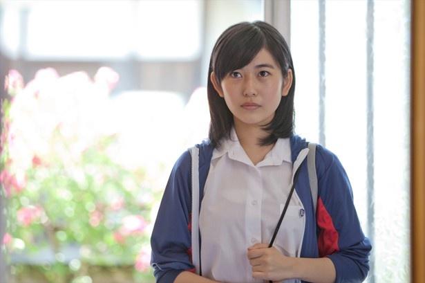 映画初出演作『過ぐる日のやまねこ』では、長野の高校生・アキホを好演。 映画初出演作『過ぐる日のや