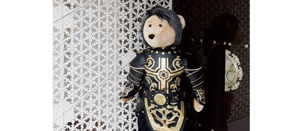 """現在東京店では、ヨン様をイメージしたクマのぬいぐるみ""""ジュンベア""""が出迎えてくれるが、名古屋店は果たして…!?"""