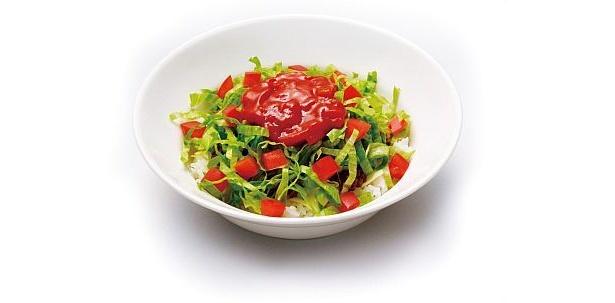 モスオリジナルの沖縄風タコライスは、酸味と辛味でさっぱりとした味わい