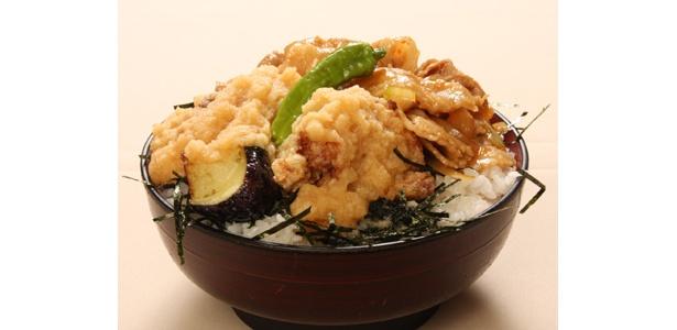 大満足の2倍ボリューム!「郷どり 燦鶏」の「極盛丼」(780円)