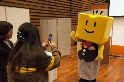 【写真を見る】オリジナルキャラクターの「ハイ!チーズ君」は、今年も登場予定(写真は昨年のもの)
